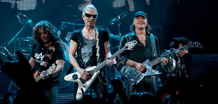 Группа Scorpions на концерте