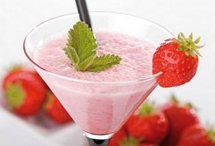 Молочный коктейль с клубникой без мороженого