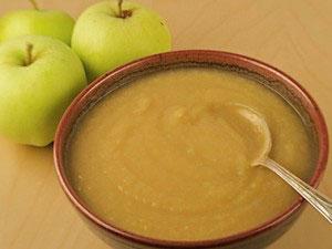 Яблочное пюре для грудничка - первый прикорм