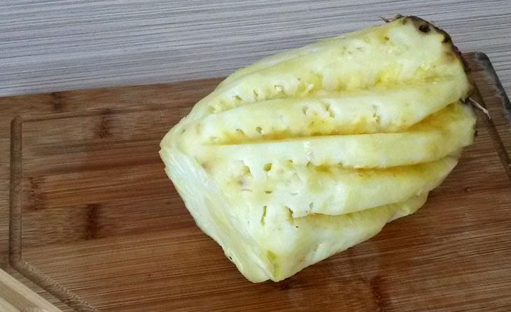 Как почистить ананас ножом от кожуры